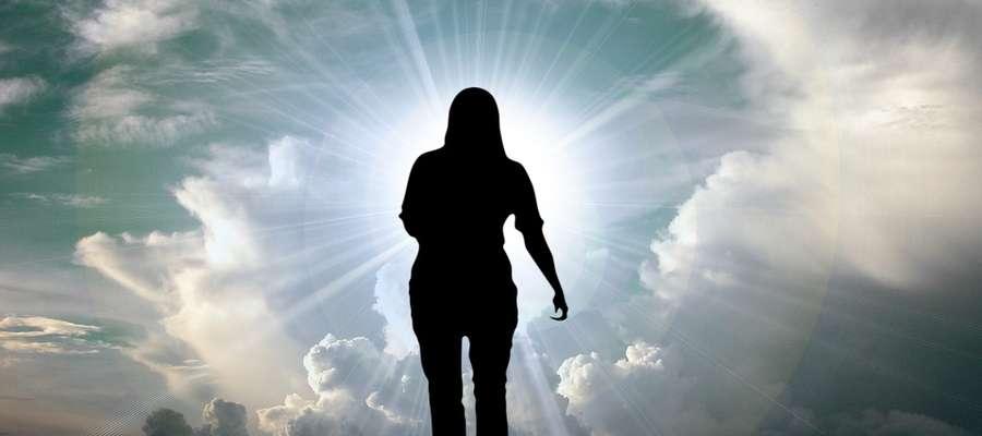 Wielka Noc zmartwychwstania jest zaproszeniem dla każdego z nas, by wyjść z mroku zwątpienia, rozpaczy i lęku.
