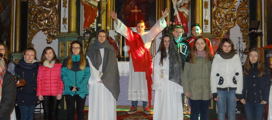 Misteria wystawione w kościele w Kiwitach