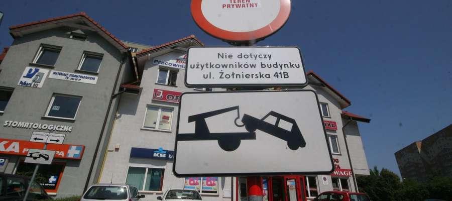 Zaparkował auto w mieście, a odebrał je z parkingu depozytowego