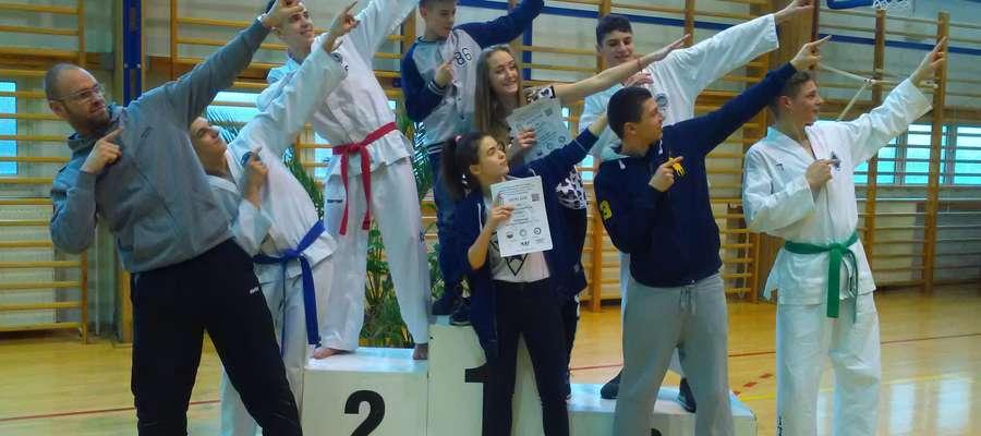 Ekipa Bartoszyckiej Szkoły Taekwondo po turnieju w Mińsku Mazowieckim