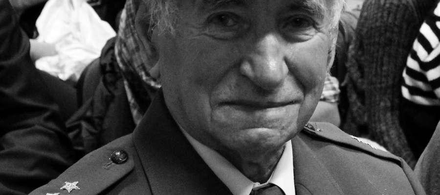 Pan porucznik Jan Kasinowicz podczas uroczystości z okazji Święta Niepodległości zawsze występował w mundurze.