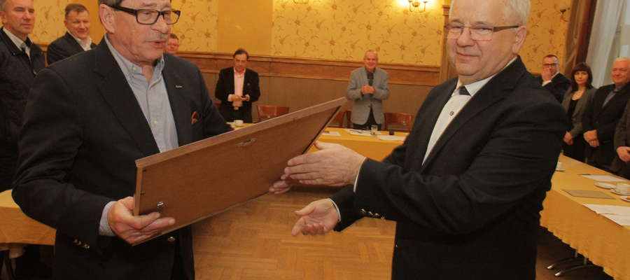 Dotychczasowy prezes Henryk Kamiński (z lewej) z nowym prezesem Waldemarem Klockiem