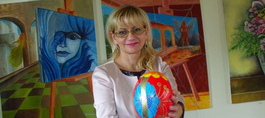 Pisankę przygotowała malarka Magdalena Szumkowska