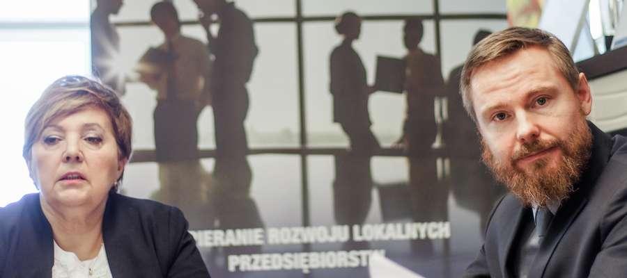 Ewa Micuda z PUP i Krzysztof Ciuła, prezes Elbląskiej Izby Gospodarczej