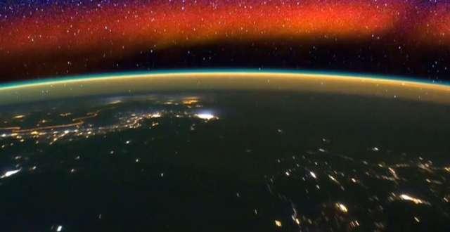 Horyzont Ziemi z kosmicznej perspektywy. Niesamowity timelapse - full image