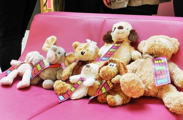 """""""Nie bij mnie - kochaj mnie"""": Akcja przeciwko przemocy wobec dzieci - full image"""