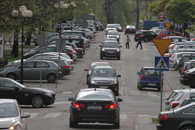 Droższe parkowanie metodą na korki w centrach miast? Zmiany w ustawie o drogach publicznych - full image