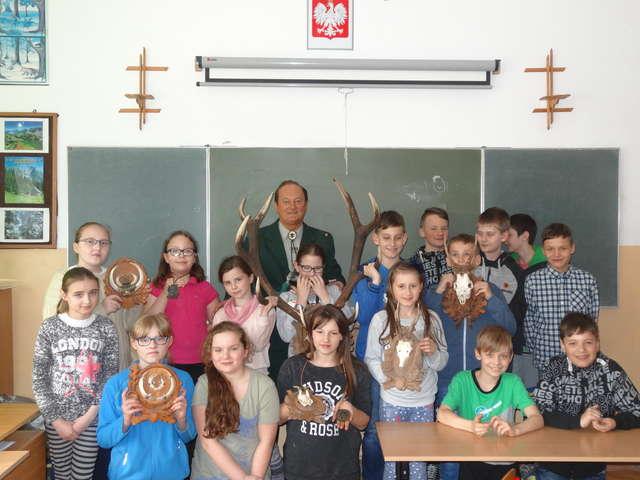 Z młodzieżą o łowiectwie - full image