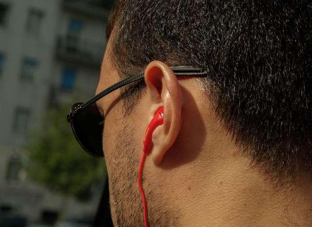 Bezpłatnie sprawdź swój słuch w Olsztynie - full image