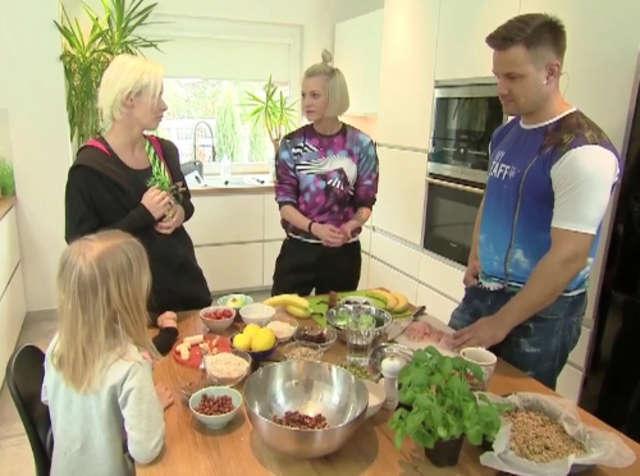 Jak zdrowo odżywiać dzieci? - full image