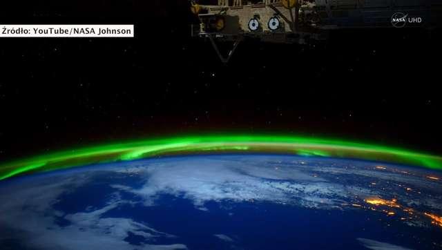 Wspaniałe nagranie zórz polarnych widzianych z kosmosu - full image