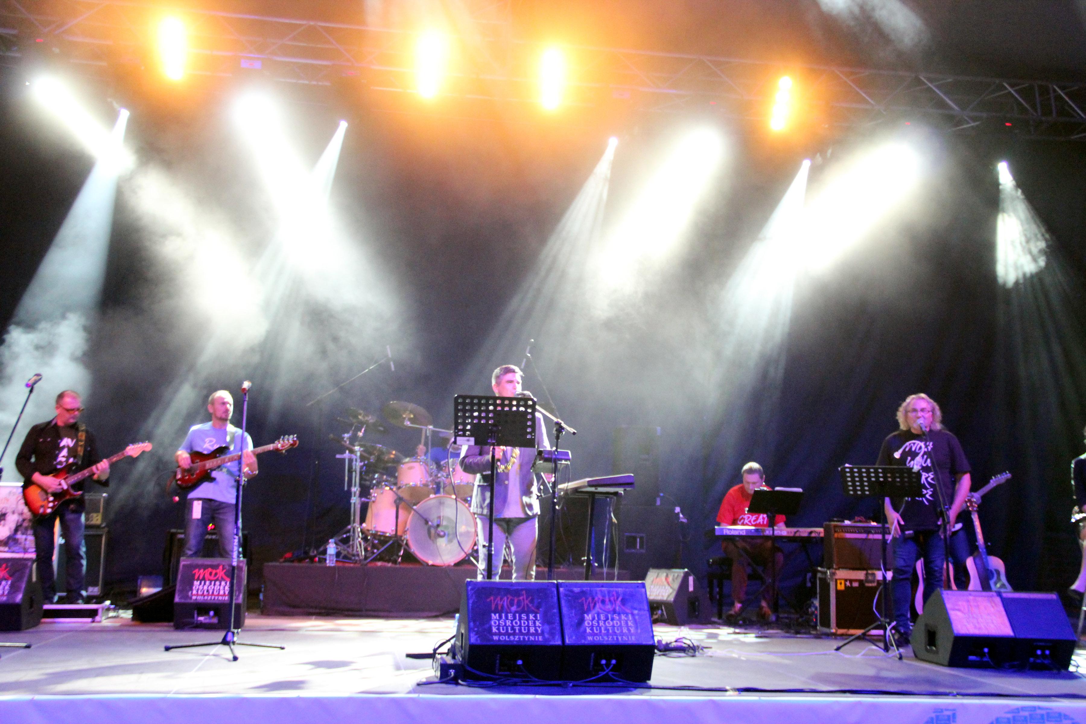 Zespół Tales of Pink Floyd na koncercie w Amfiteatrze im. Czesława Niemena w Olsztynie 28.08.2015
