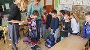 Ile naprawdę waży plecak ucznia podstawówki? Sprawdziliśmy!