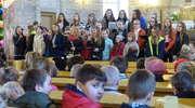 Szkolne grono z Mroczna uczciło 1050 rocznicę chrztu Polski