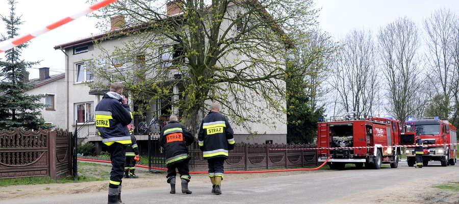 Na miejscu pracowały 3 zastępy straży, policja i prokurator