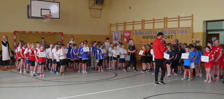 Podczas turnieju w szkole w Tereszewie