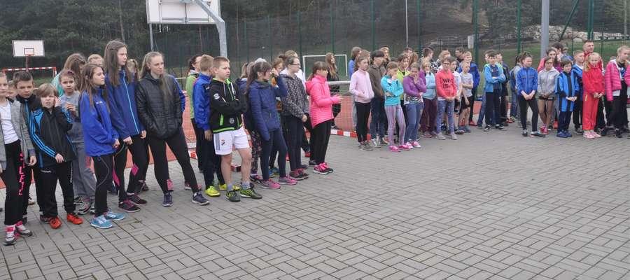 Młodzież biorąca udział w zawodach