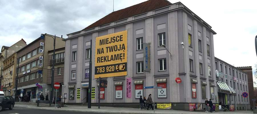 Reklama na elewacji budynku - kiedy można ją umieścić?