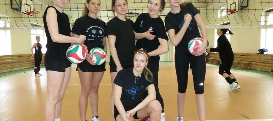 Drużyna z Olsztyna, która wygrała 7. wiosenny turniej siatkarek w Bartoszycach