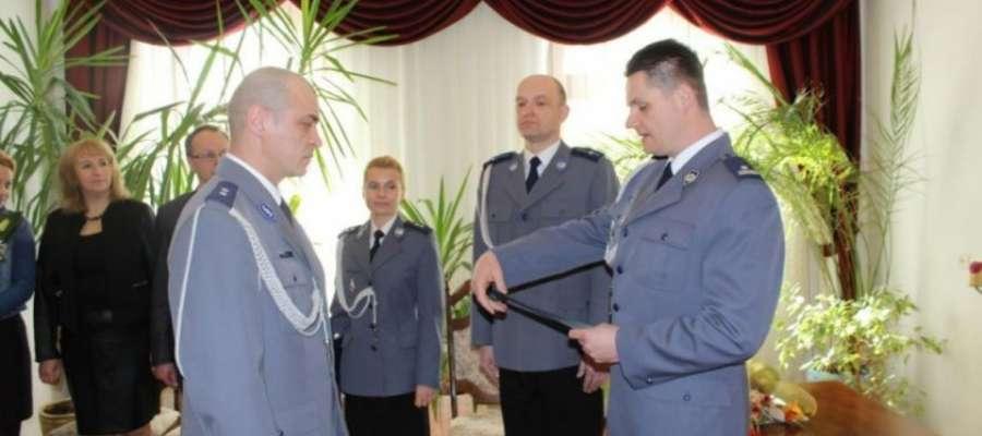 Nowym komendantem został podkom. Grzegorz Kobeszko (z lewej)