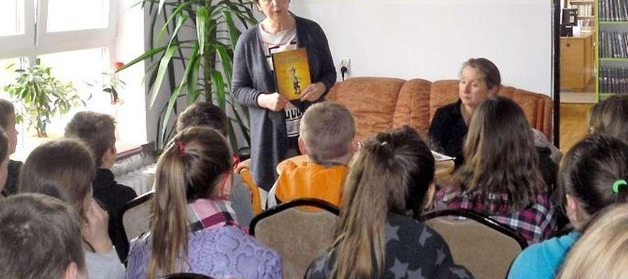 Spotkanie uczniów z Renatą Piątkowską