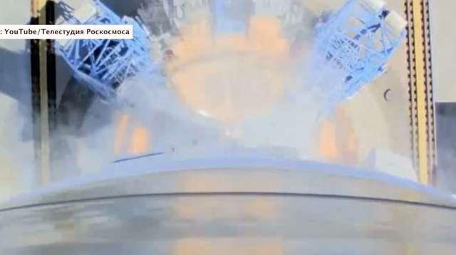 Start Sojuza z kosmodromu Wostocznyj widziany z kamer pokładowych - full image