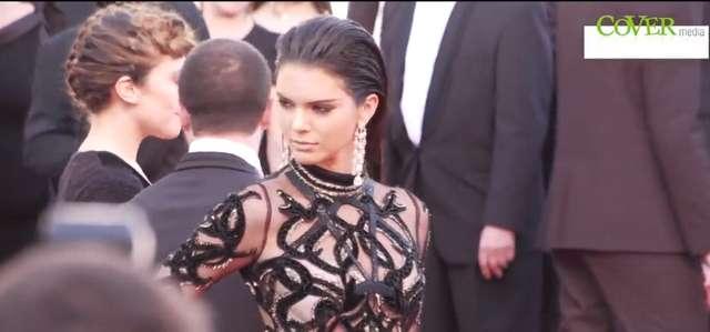 Kendall Jenner w prześwitującej sukni Cavalli w Cannes - full image