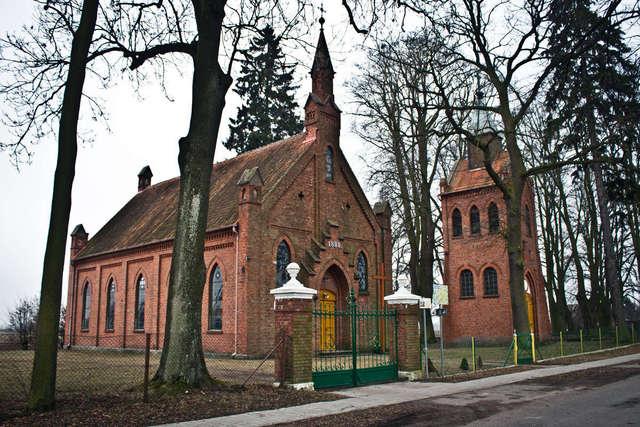Dom modlitewny i dzwonnica mennonicka w Rozgarcie - full image