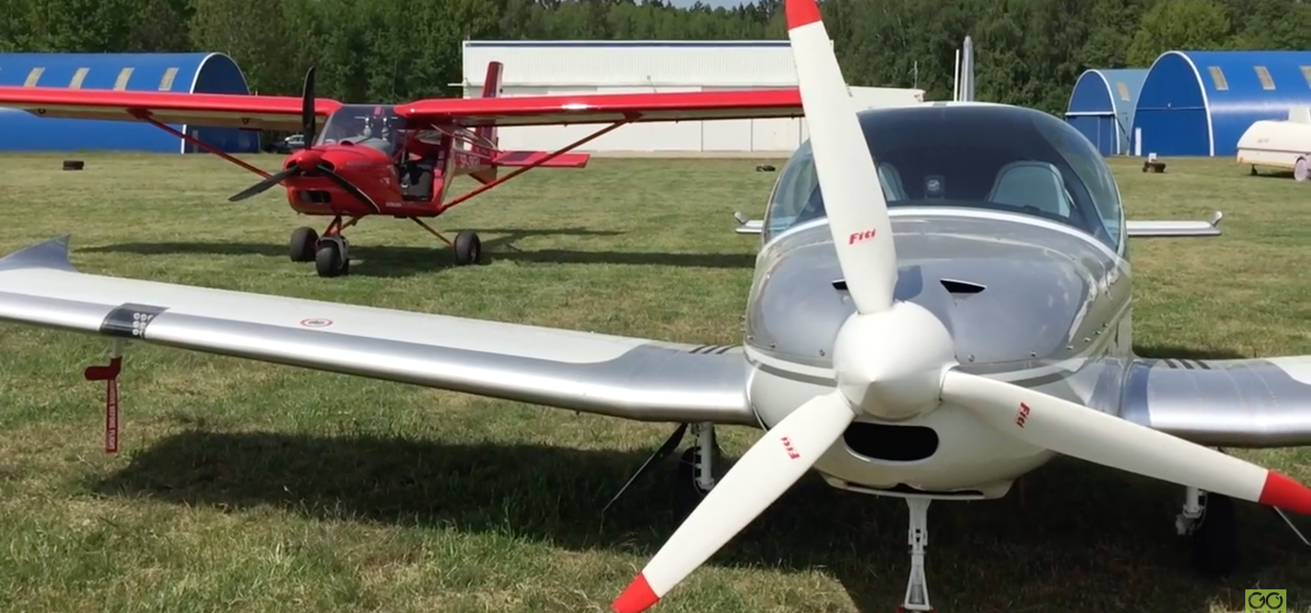 Samoloty nad Olsztynem, piknik na lotnisku. Tak było na XII Rotariańskiej Majówce Lotniczej w Dajtkach! [FILM]