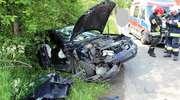 Zderzenie seata z ciągnikiem. Jedna osoba w szpitalu
