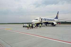 Ryanair potwierdził loty z portu Olsztyn-Mazury do Londynu-Stansted! Zobacz film z przylotu 737 i konferencji