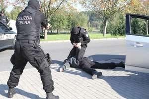 Celnicy protestują. Rząd chce przenieść ich do cywila