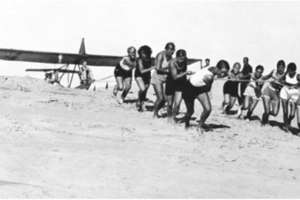 Historia lotniska na Modrzewinie