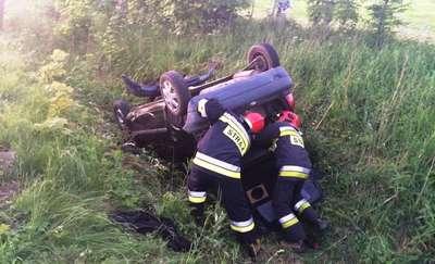 Pijany spowodował wypadek i nie przyznawał się do kierowania. 31-latek usłyszał zarzut