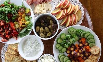 Co z czym się je? Warzywa i owoce w posiłkach