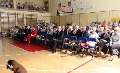 Szkoła Podstawowa nr 3 w Działdowie świętowała potrójny jubileusz [zdjęcia, film]