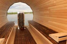 Worliny: fińska sauna na brzegu jeziora