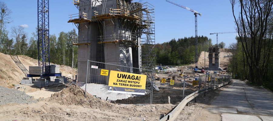 Imponujący most wyrasta na przyszłej obwodnicy Ostródy. Jak się żyje w cieniu drogowych gigantów?