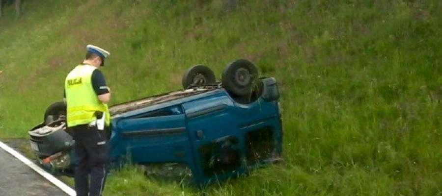 12 wypadków, 17 osób rannych - bilans długiego weekendu na drogach w regionie
