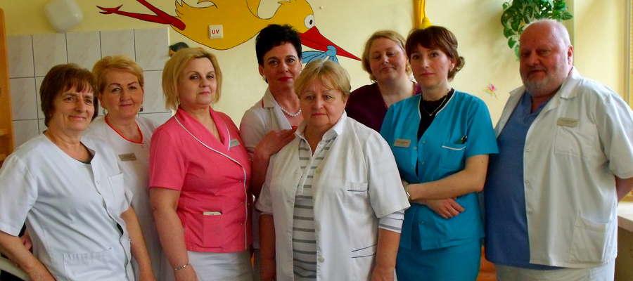 """Lekarze, położne i pielęgniarki opowiadają o kulisach pracy na mławskiej """"porodówce"""""""