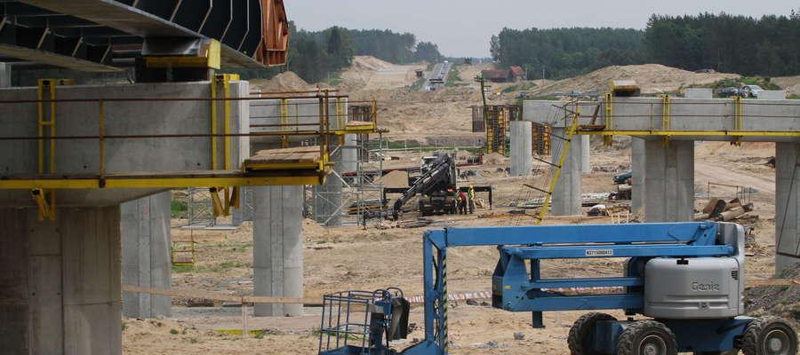 Trwają prace nad S51. Zobacz jak powstaje estakada w Miodówku