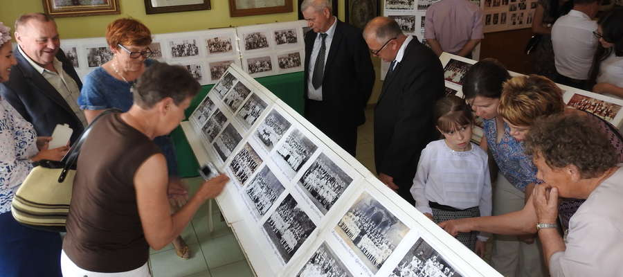 Po otwarciu ekspozycji wystawę odwiedziło wiele osób z Łąkorza oraz goście spoza terenu parafii łąkorskiej
