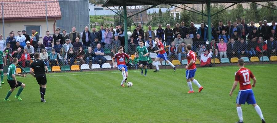Na mecz GKS-u z Sokołem przybyło do Wikielca sporo kibiców, także z Ostródy