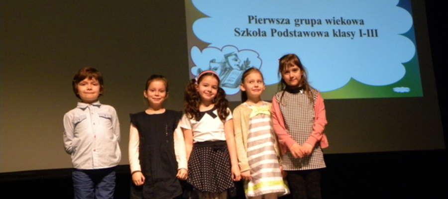 Uczestnicy konkursu recytatorskiego w Szczytnie