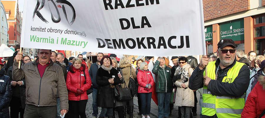Jedna z manifestacji KOD w Elblągu