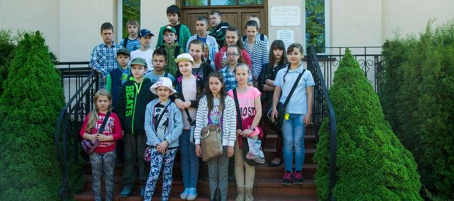 Dzieci ze Szkoły Podstawowej w Olszewie