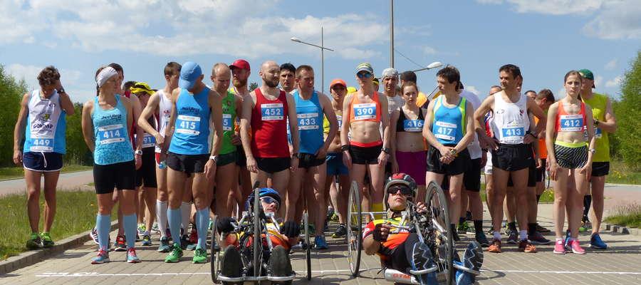 W tym roku w biegu głównym w kategorii open na dystansie 10 km wystartowało 55 uczestników