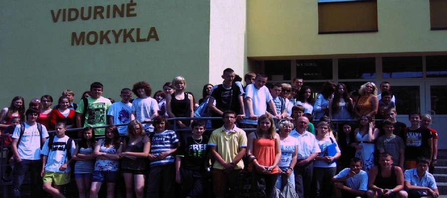 Rok 2011. Wizyta naszych gimnazjalistów w litewskiej szkole.
