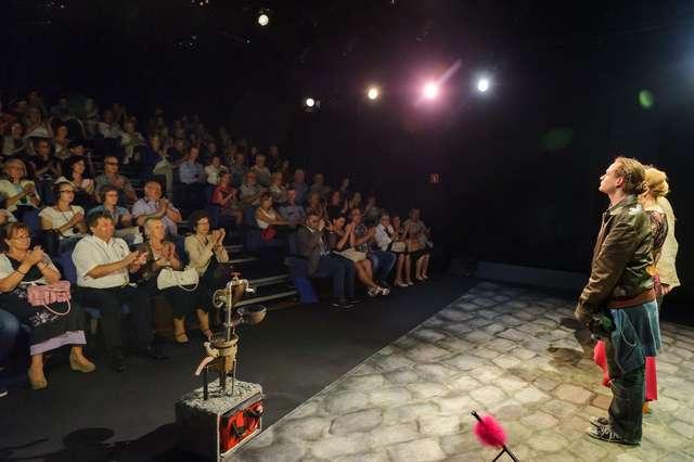 Teatr Jaracza bez barier dla osób niepełnosprawnych - full image