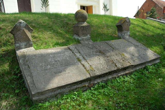 Pomniki poległych mieszkańców w powiecie oleckim - full image